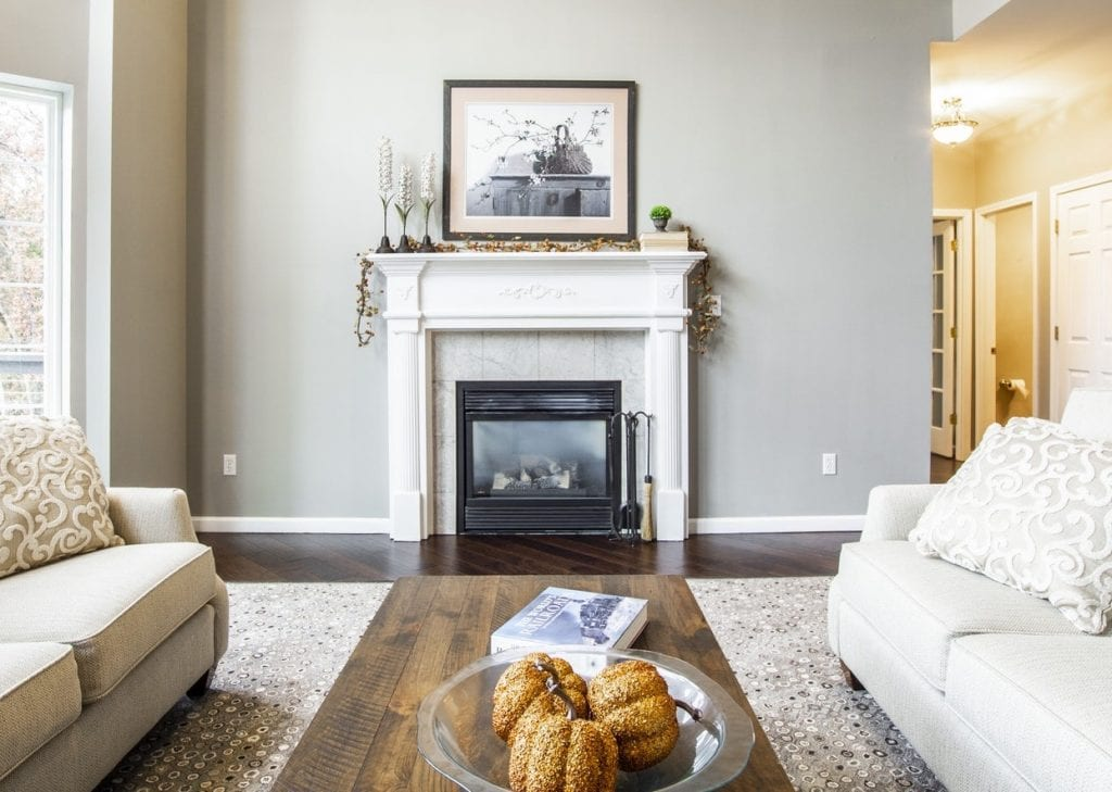 how to decorate the mantle in your new home